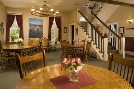 The Leland House Bed & Breakfast Suites Durango: Lobby/Dining in Rochester