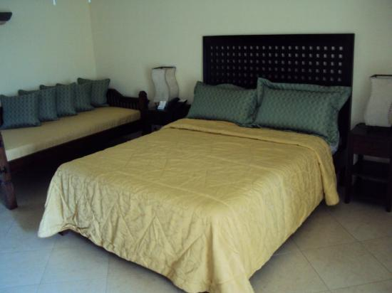 Hotel Santa Teresa: Queen and single bed, 3 people