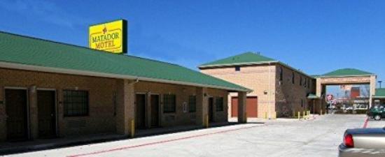 Matador Motel: Exterior