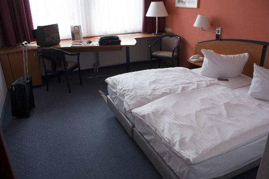 Mercure Hotel Halle Leipzig: Geräumiges Zimmer