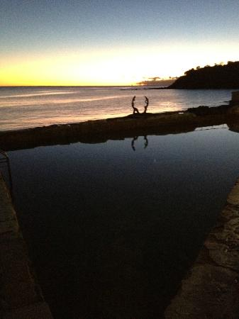 Shelly Beach: sunrise over ocean pool