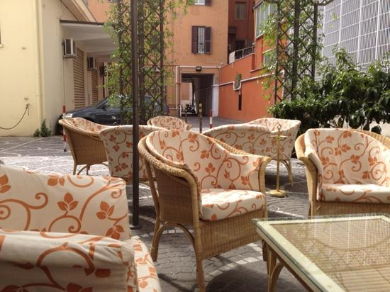 Hotel Lazio: outside lobby.
