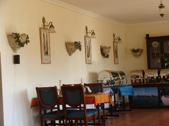 Camp Noel: Restaurant