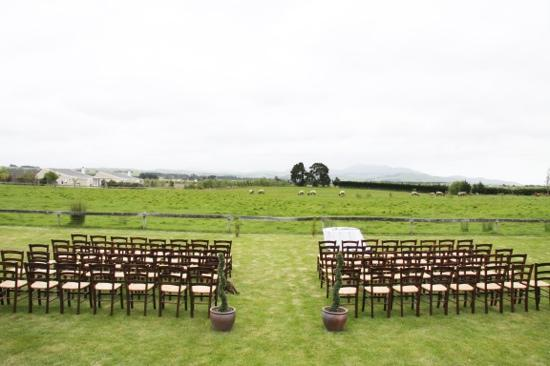 Brackenridge Country Retreat: outdoor wedding area