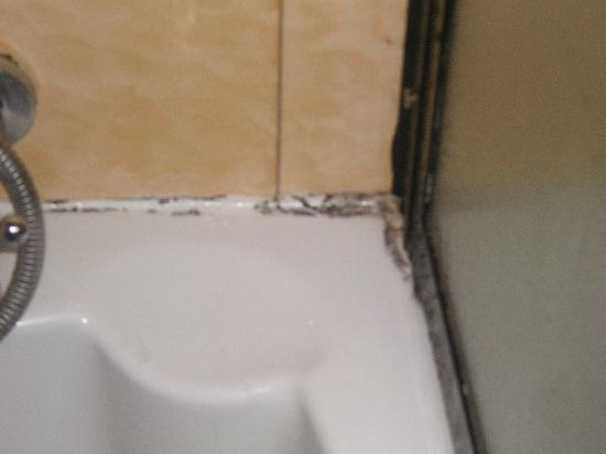 Hotel Ta' Cenc : There is no excuse for this