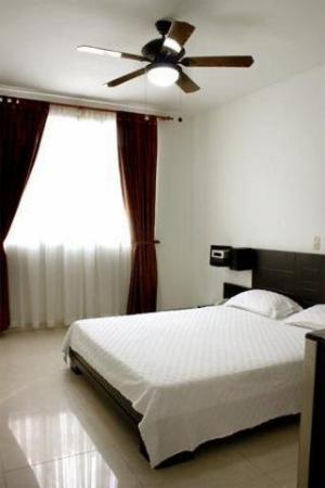 Hotel Plazuela San Ignacio: Guest Room