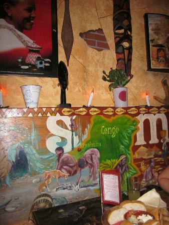 De smaak van Afrika: Wandmalereien im Restaurant