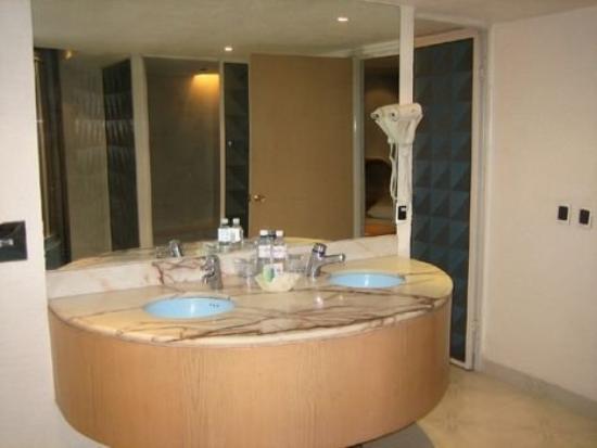 Hotel Gran Class: Bathroom