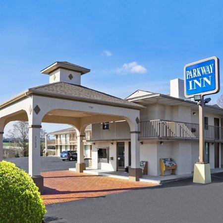 Parkway Inn Morristown TNExterior