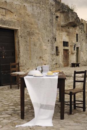 Sextantio Le Grotte della Civita: Exterior View