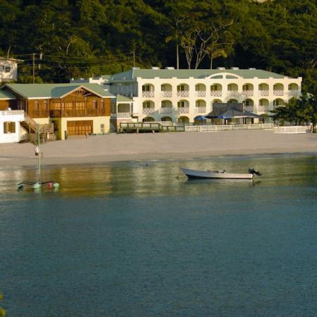 カリナゴ ビーチ リゾート