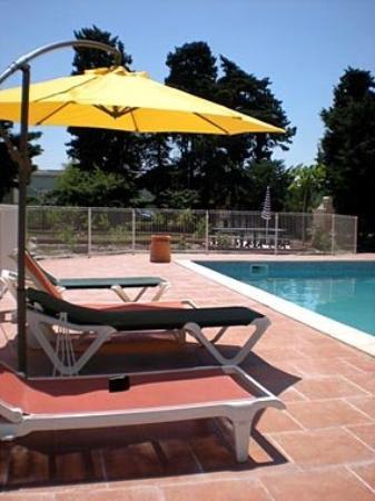 Court'Inn Aqua: Outdoor pool