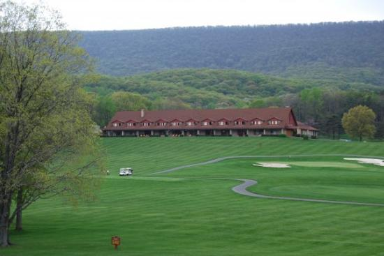 Cacapon Resort State Park: Exterior