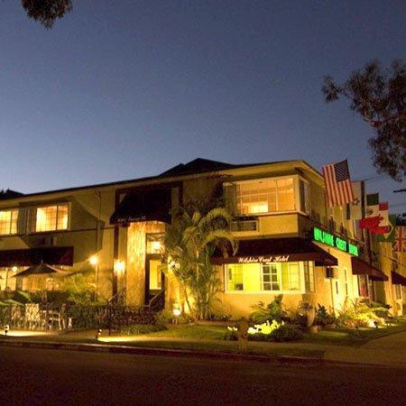 Wilshire Crest Hotel: Frontphoto