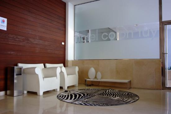 Hotel Colon Tuy: Reception