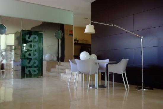 Hotel Colon Tuy: Lobby