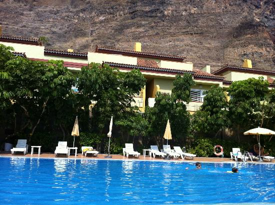 piscina bild von residencial el llano valle gran rey