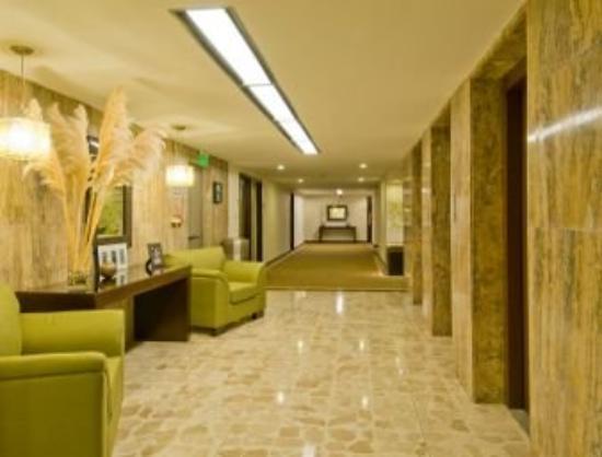Tryp by Wyndham San Jose Sabana: Lobby