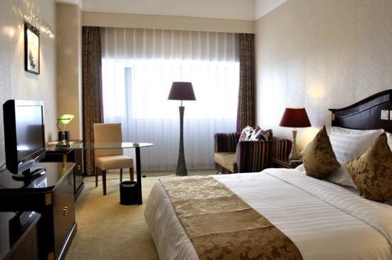 Laurel Hotel: Business King Room
