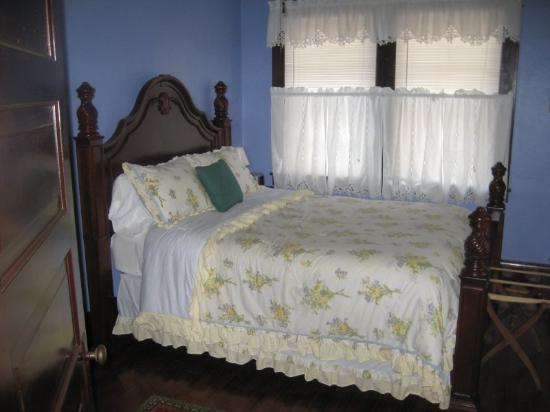 Badin Inn: Sam Snead Suite Bedroom