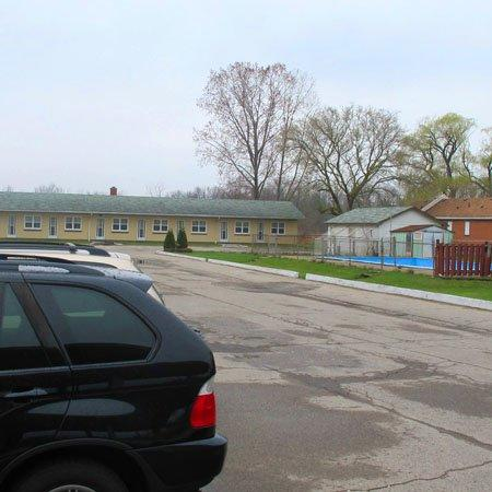 Fauld's Motel Sarnia: Exterior (OpenTravel Alliance - Exterior view)