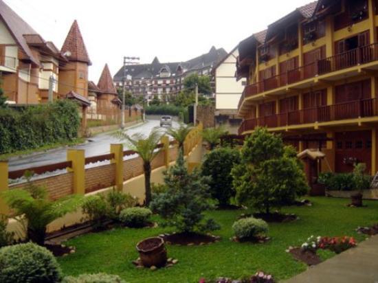 Hotel Garnier : Front