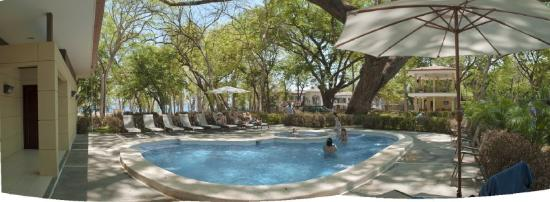 Hotel and Villas Nacazcol: Beach Club in Playa Panama