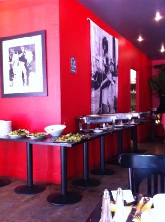 Dupont Cafe: buffet brunch