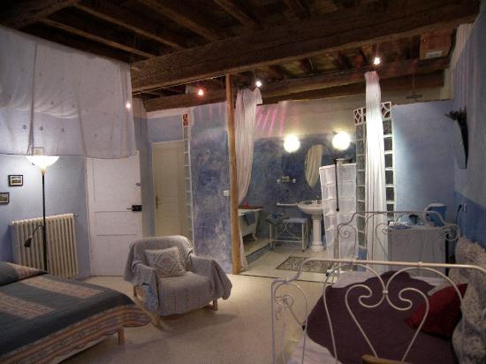 La Porte Bleue: getlstd_property_photo