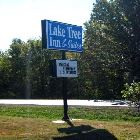 Laketree Inn & Suites