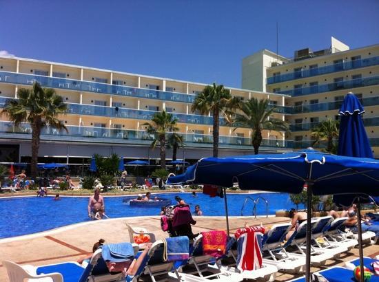 Golden Taurus Park Resort : pool side