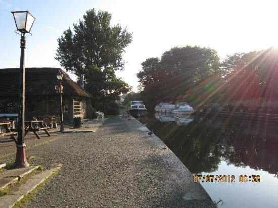 Guy's Thatched Hamlet: The canalside