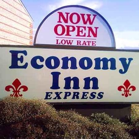 Economy Inn Express : Exterior