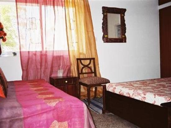 At Vasant Kunj, Home stay: Other Hotel Services/Amenities