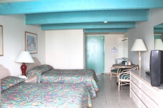 Aztec Ocean Resort: Room