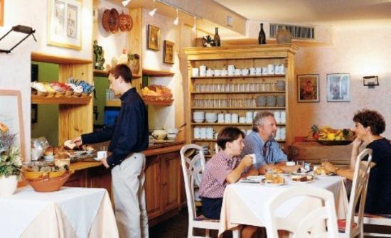 Minotel Hotel Le Grand Noble : Breakfast Room