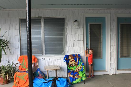 Echo Motel & Oceanfront Cottages: Devant notre chambre.