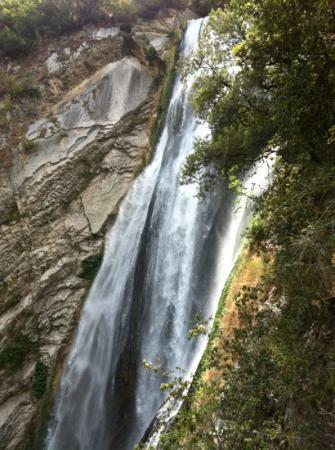 Parco Villa Gregoriana: cascada