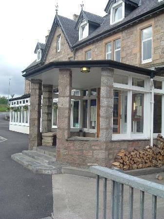 Carrbridge Hotel: Front of the Hotel
