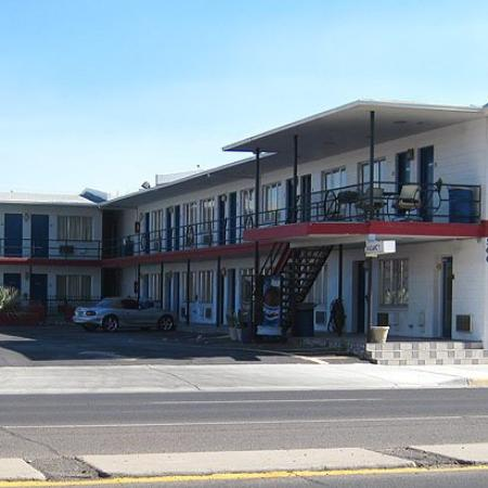 Deming Motel : Exterior