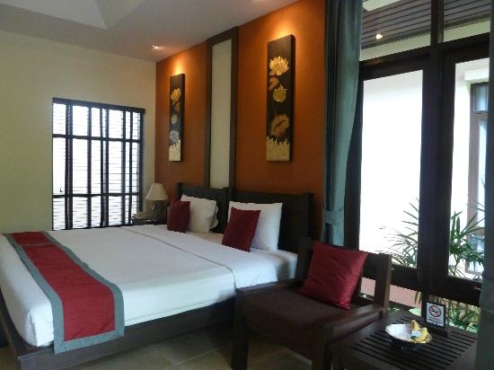 Baan Chaweng Beach Resort & Spa: Very spacious bedroom Room 403