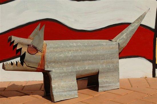 Vatu Sanctuary & Homestead: Vatu Sanctuary: Dan Murphy dog sculpture...
