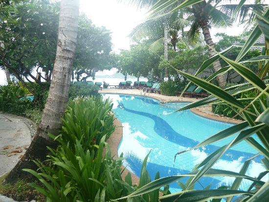 Baan Chaweng Beach Resort & Spa: Did I mention the beautiful pool?