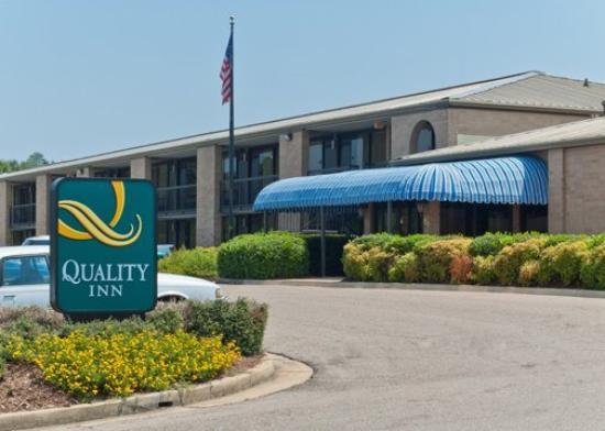 Quality Inn: Quality Inn Columbus MSExterior