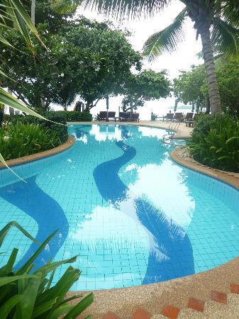 Baan Chaweng Beach Resort & Spa: The beautiful pool....refreshing!!!