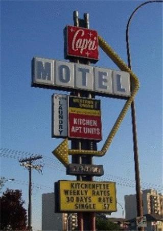 Capri Motel: Exterior