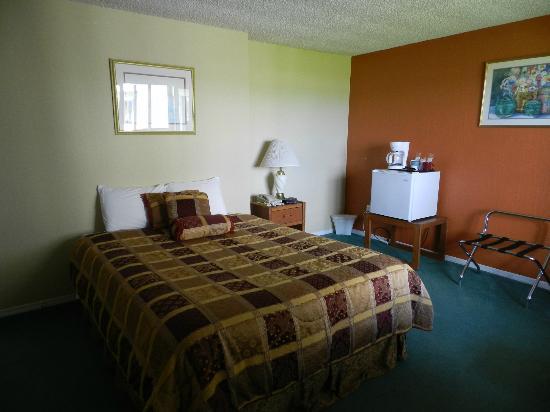Ocean Shores Inn & Suites: Zimmer