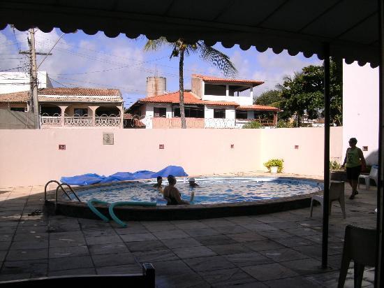 Hotel Itapoa Praia: Piscina com aula de hidroginástica