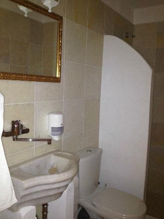 Antiparos Hotel Begleri: Bathroom , double room