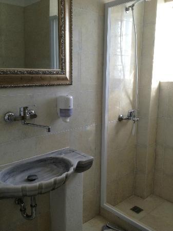 Antiparos Hotel Begleri: Bathroom double room